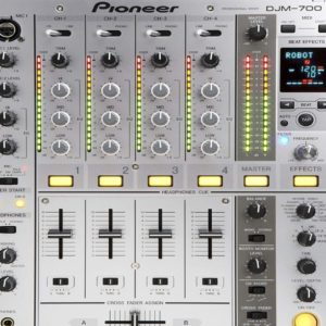 Table de mixage DJ PIONEER DJM700S occasion